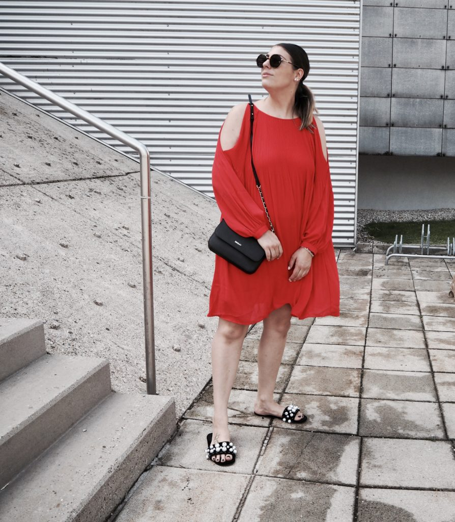 #Outfit: red dress for the holiday